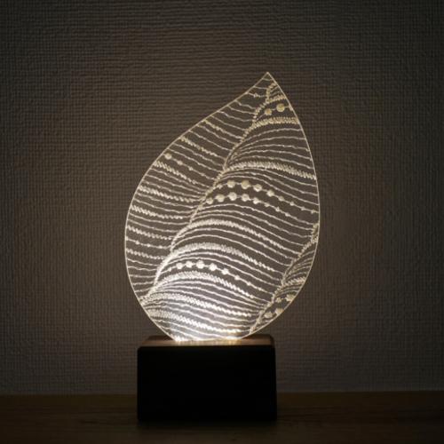 Feel Lab(フィールラボ)LEDライト Leaf(葉っぱ型)電球色