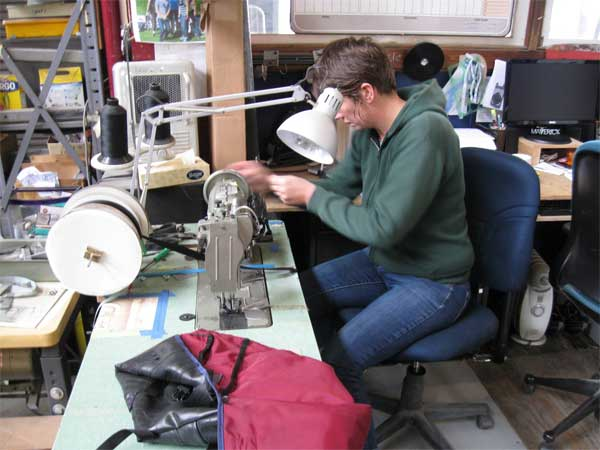 ふとしたキッカケから始まった自転車チューブによるバッグ製作