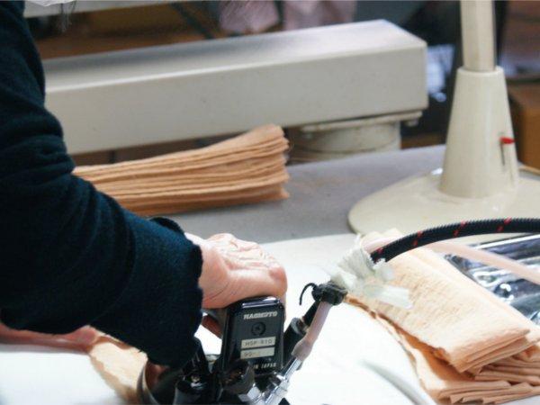 丁寧な縫製力が自慢です。