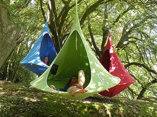 宙に浮かぶ、ハンモックのようなテント!