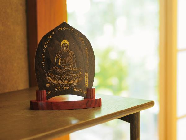 仏の姿を写したインテリア調護符