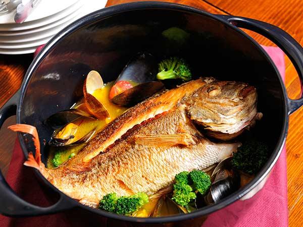 鋳物のお鍋は家族と共に引き継がれていきます。