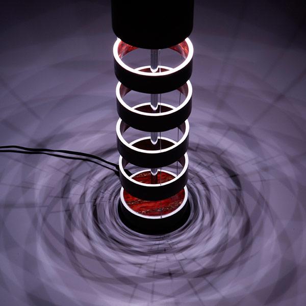 樺(桜皮)細工の照明器具