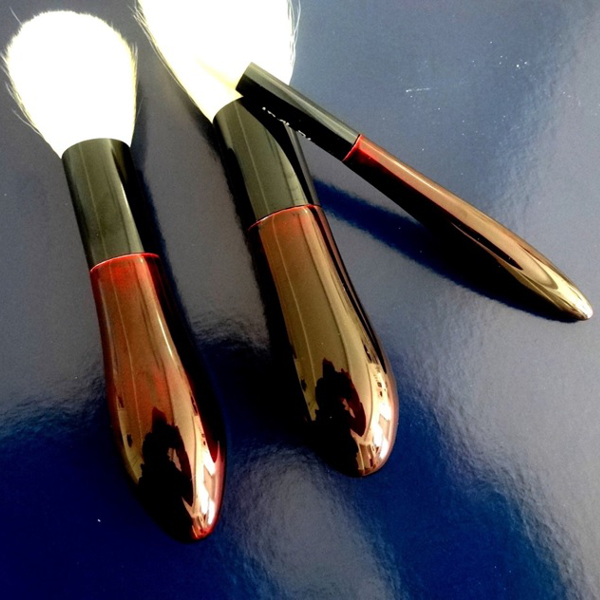 古羊毛の化粧筆